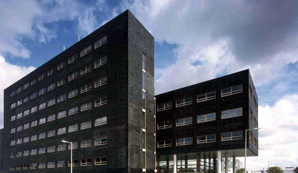4 OPLarchitecten_Amsterdam Noord stadsdeelhuis 1516×878-72dpi