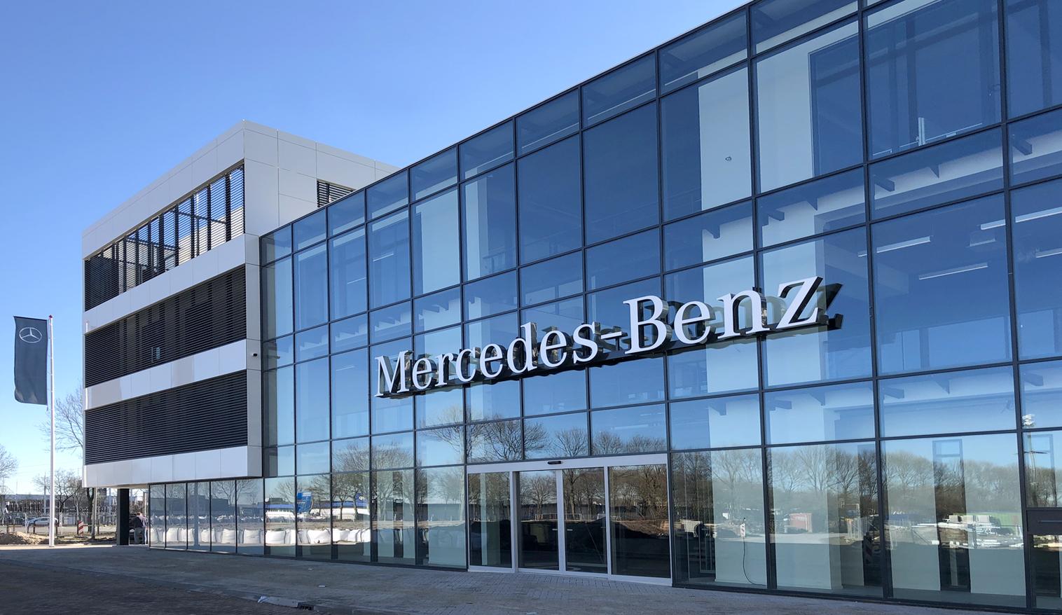00 OPL Architecten_Mercedes Benz HQ NL -header 1516×878-72dpi